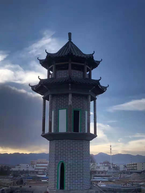 西寧清真寺宣(xuan)禮塔和亭子